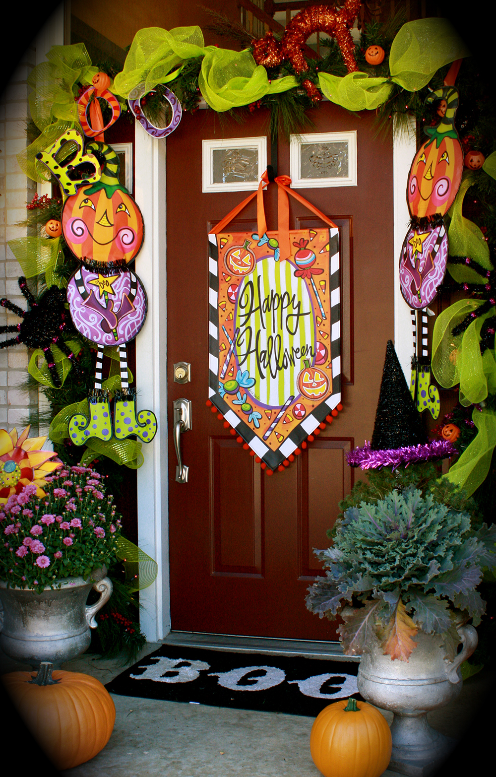 Halloween front garden ideas - Front Portch Trost Halloween Door Decoration