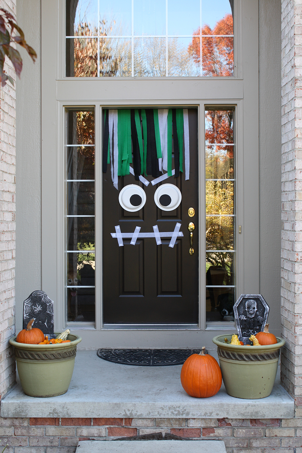 Cute halloween door decorations - Halloween Door Decoration