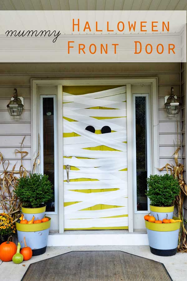 halloween mummy door idea - Halloween Front Doors