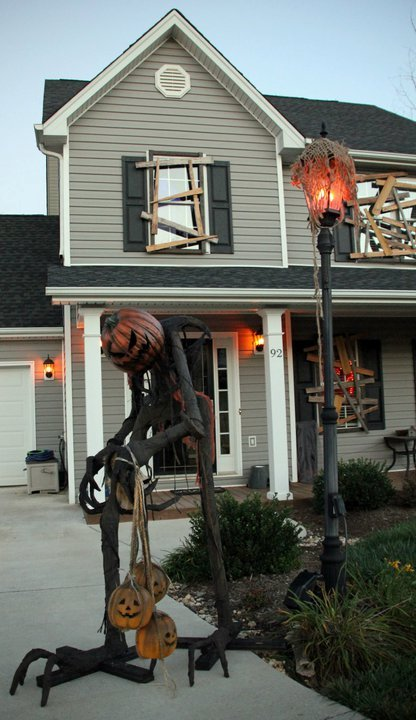 scary outdoor decorating for halloween 2015 - Halloween Outdoor Decoration