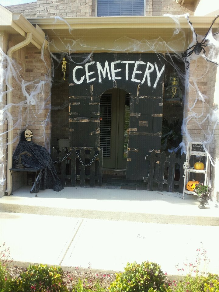 cemetery house door halloween entrance - Cemetery Halloween Decorations