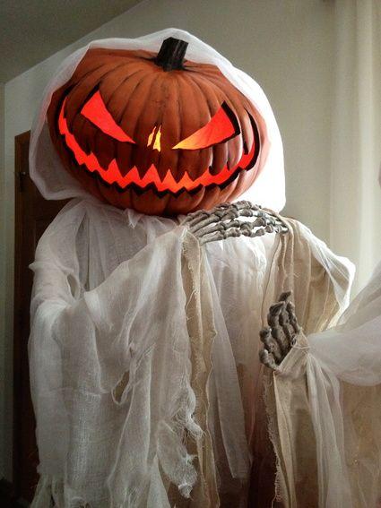 Wicked Pumpkin Scarecrow