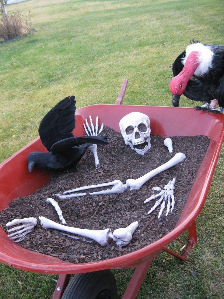 wheelbarrow of bones - Halloween Outdoor Decor