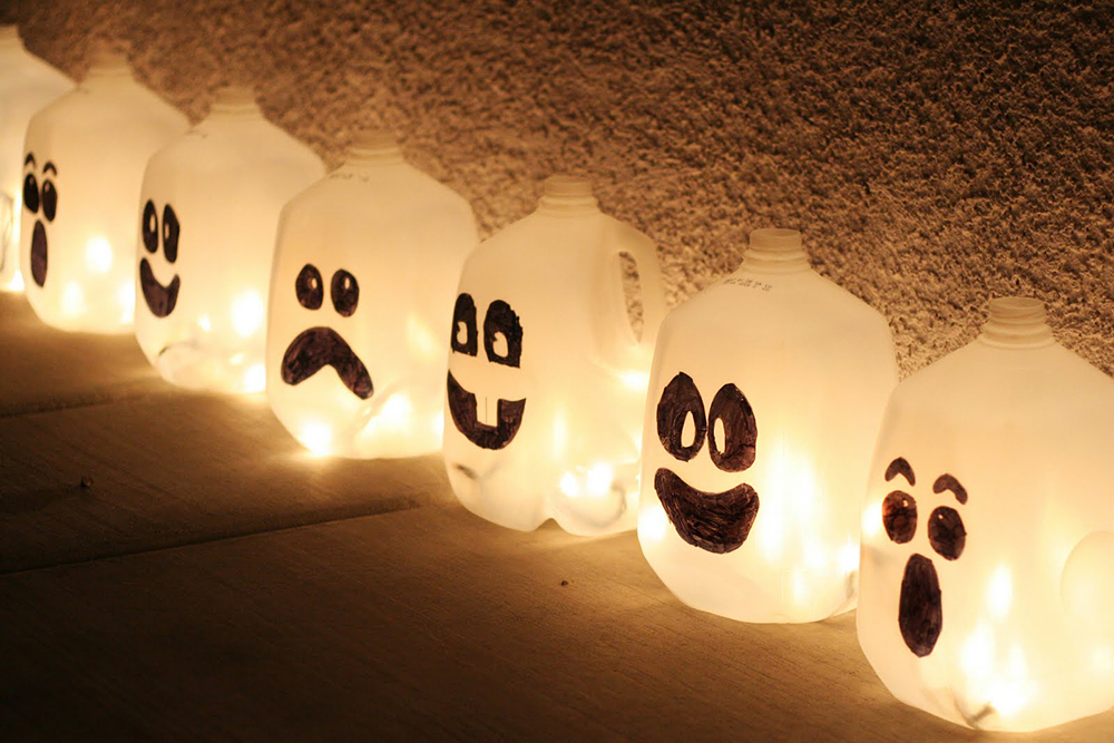 spooky spirit halloween jugs - Halloween Decorations Made At Home