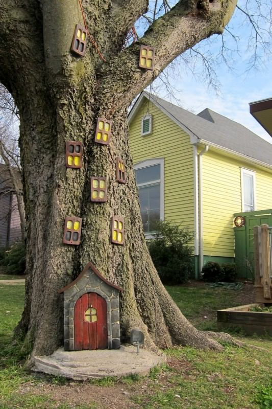 elf house halloween decoration for outdoors - How To Decorate House For Halloween