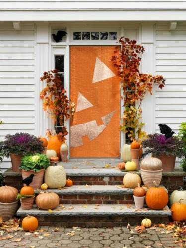 Half a Pumpkin Halloween Door Idea : halloween doors decoration - pezcame.com