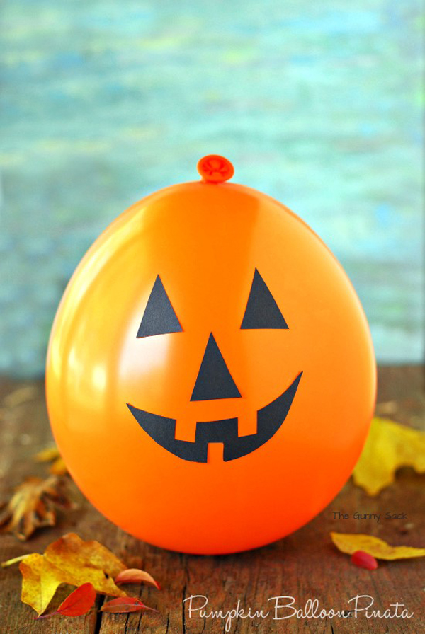 DIY Halloween Pumpkin Balloon Crafts