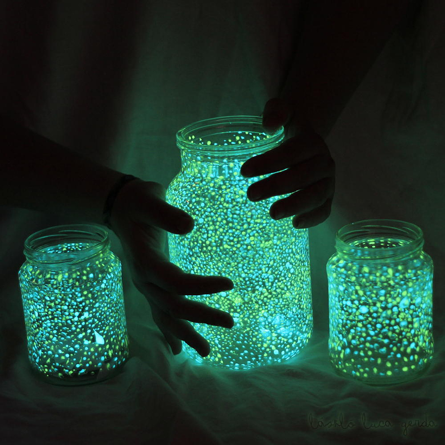 glowing jar halloween decorating
