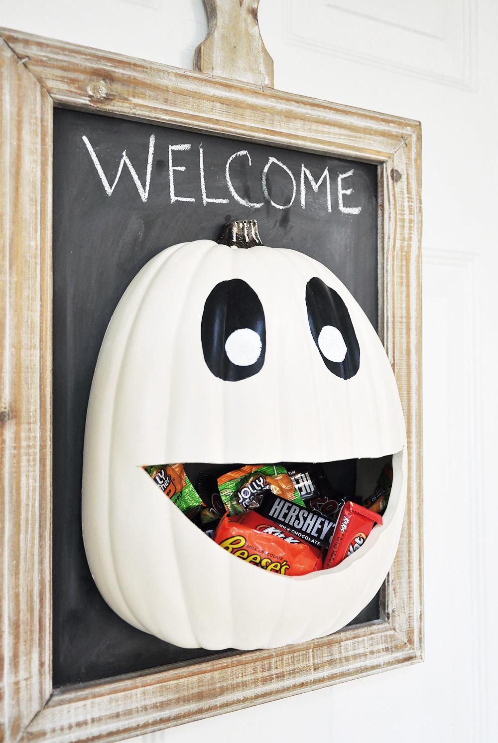 Halloween skeleton door decorations - 52 The Great Candy Pumpkin