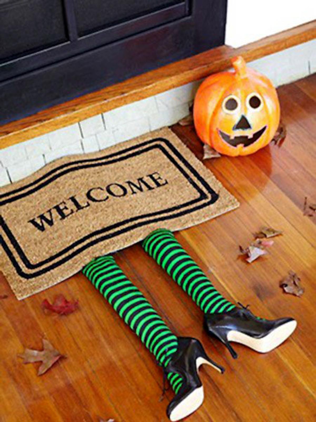 Halloween Decorating Doors Ideas