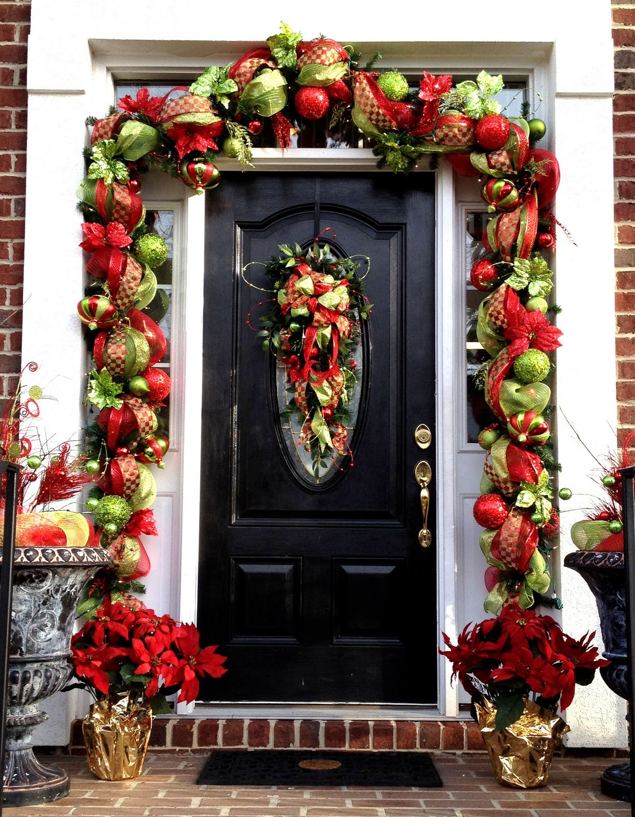 50 best outdoor christmas decorations for 2016 Christmas wreath decorations