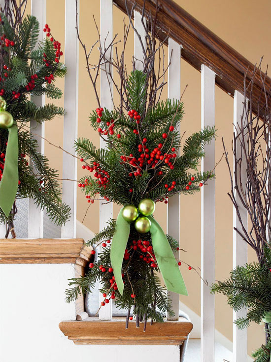 Christmas Decorating Ideas for Staircases