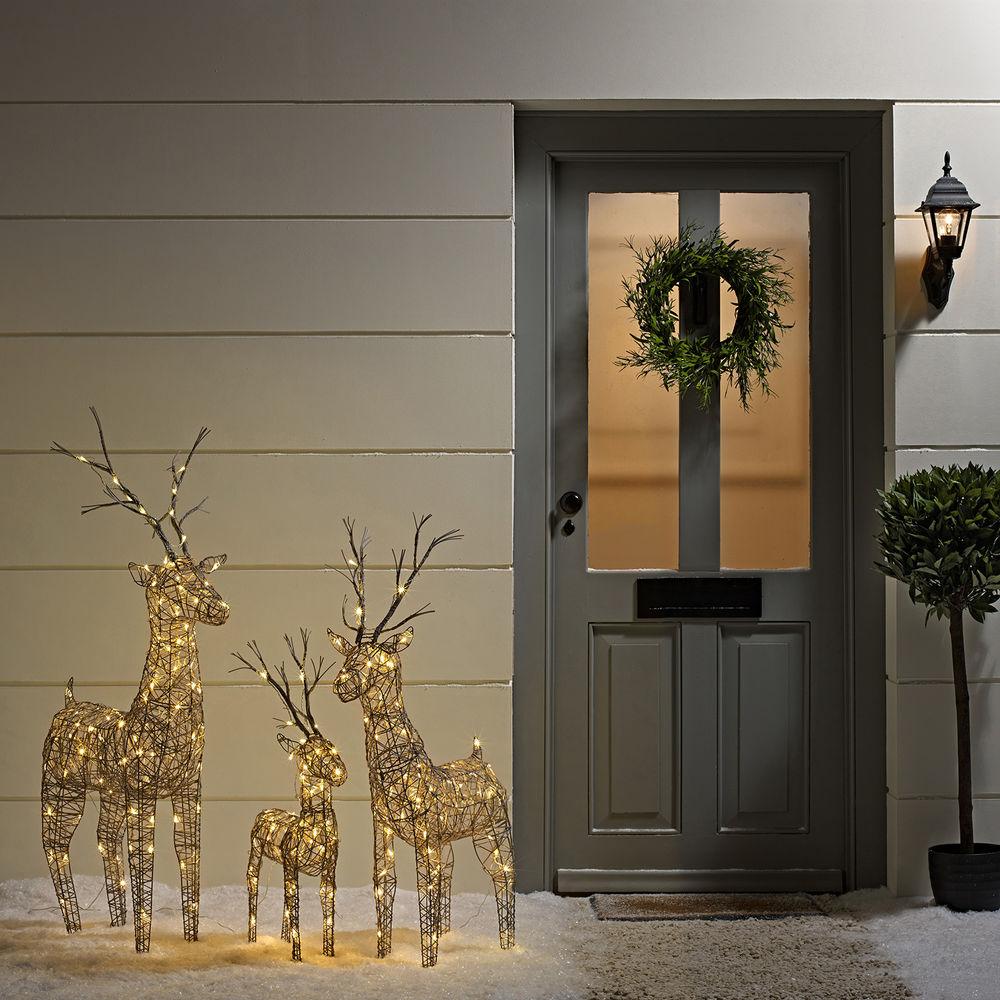 Outside christmas door decorations - Winter Elegance Christmas Decor