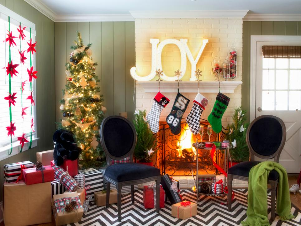 modern holiday mantle decor - Holiday Home Decor