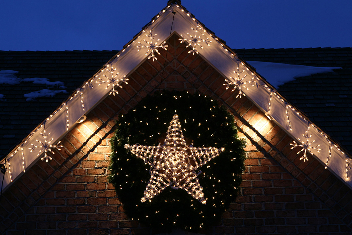 Starry, Starry, Wreath! Xmas Outdoor Decor Idea