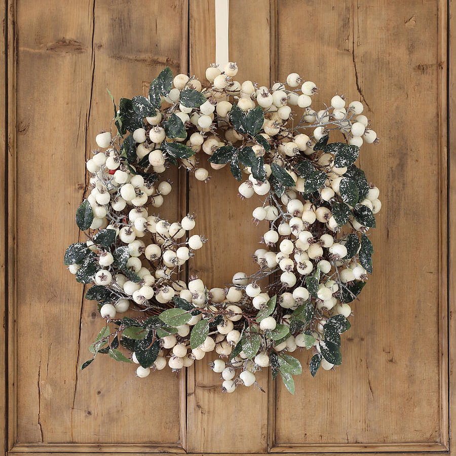 Holiday Elegance White Cranberry and Ivy Wreath