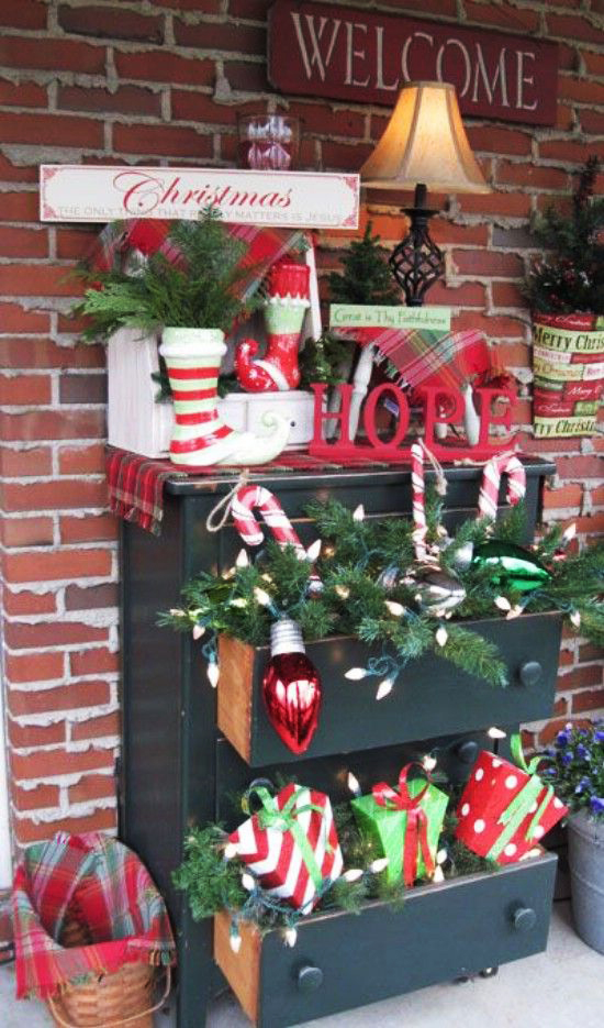 Drawers Full of Holiday Joy Outdoor Xmas Decoration