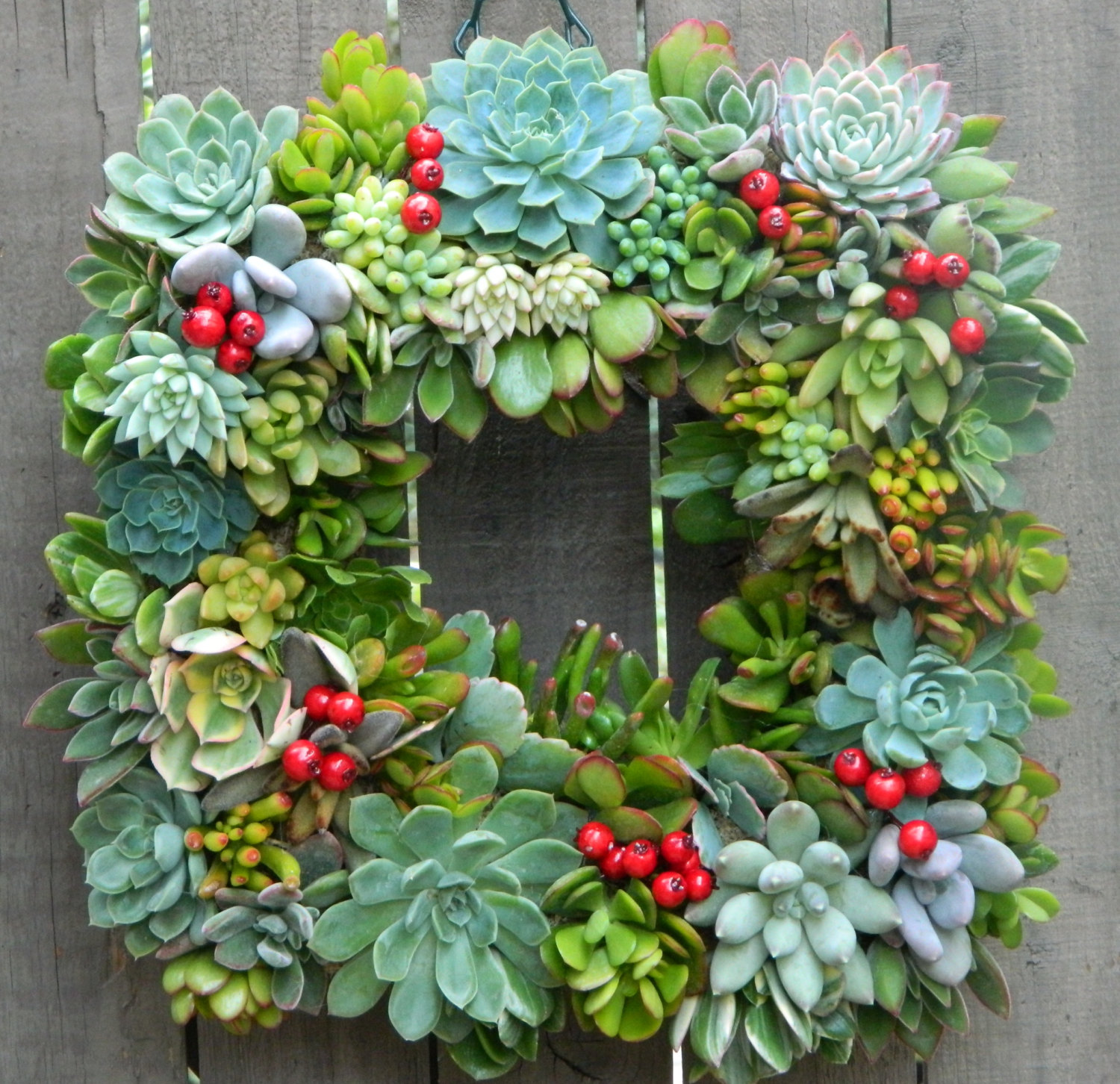 No One Has To Know You Made This DIY Outdoor Decoration for Christmas