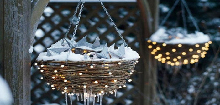 Christmas Exterior Decorating 2020 50 Best Outdoor Christmas Decorations for 2020