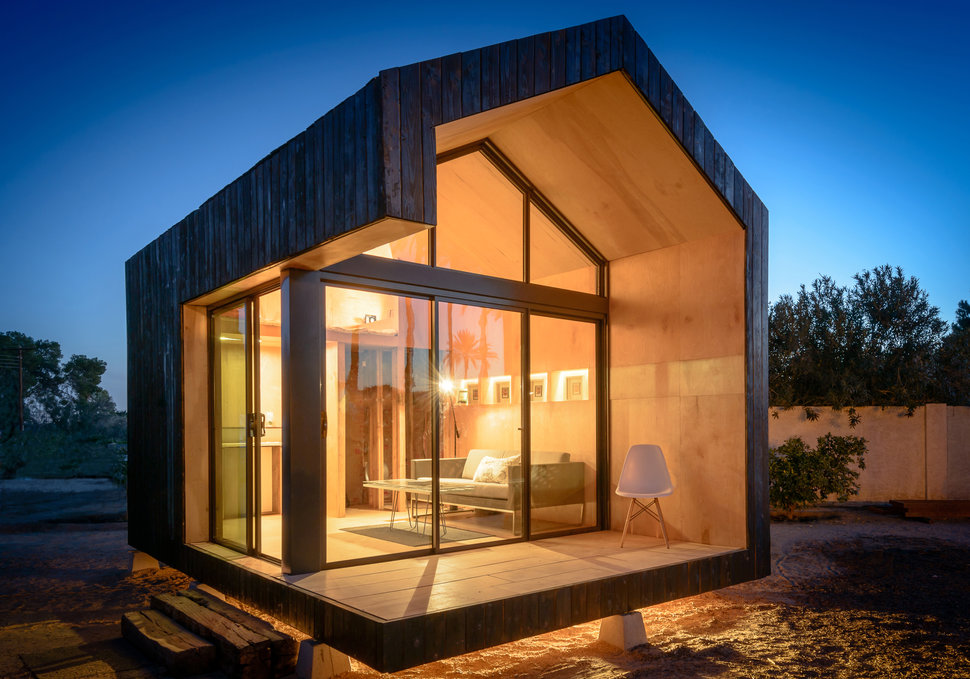 15 minimalistic light in the night - Micro Houses