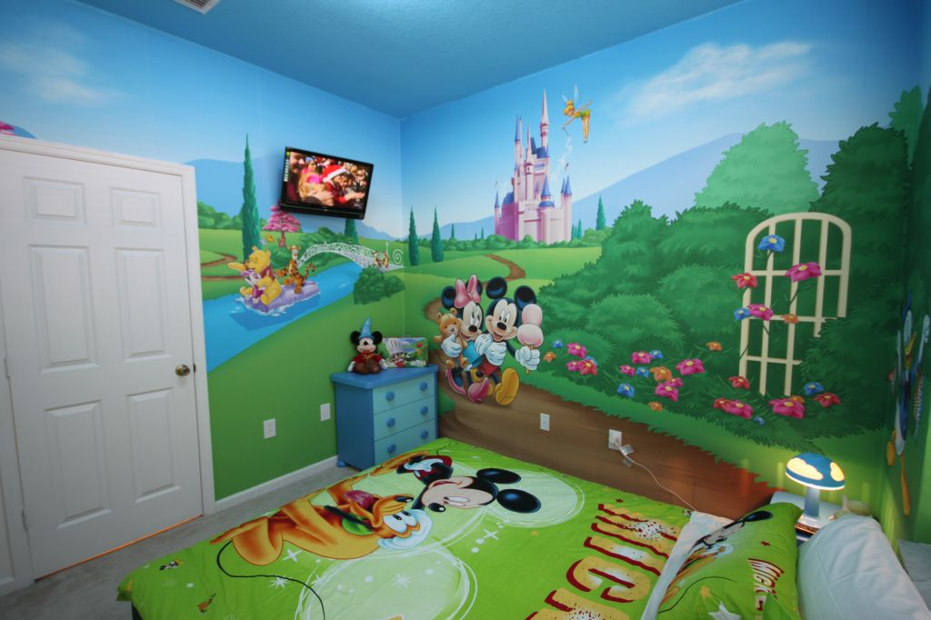18 the mashup - Disney Bedroom Designs
