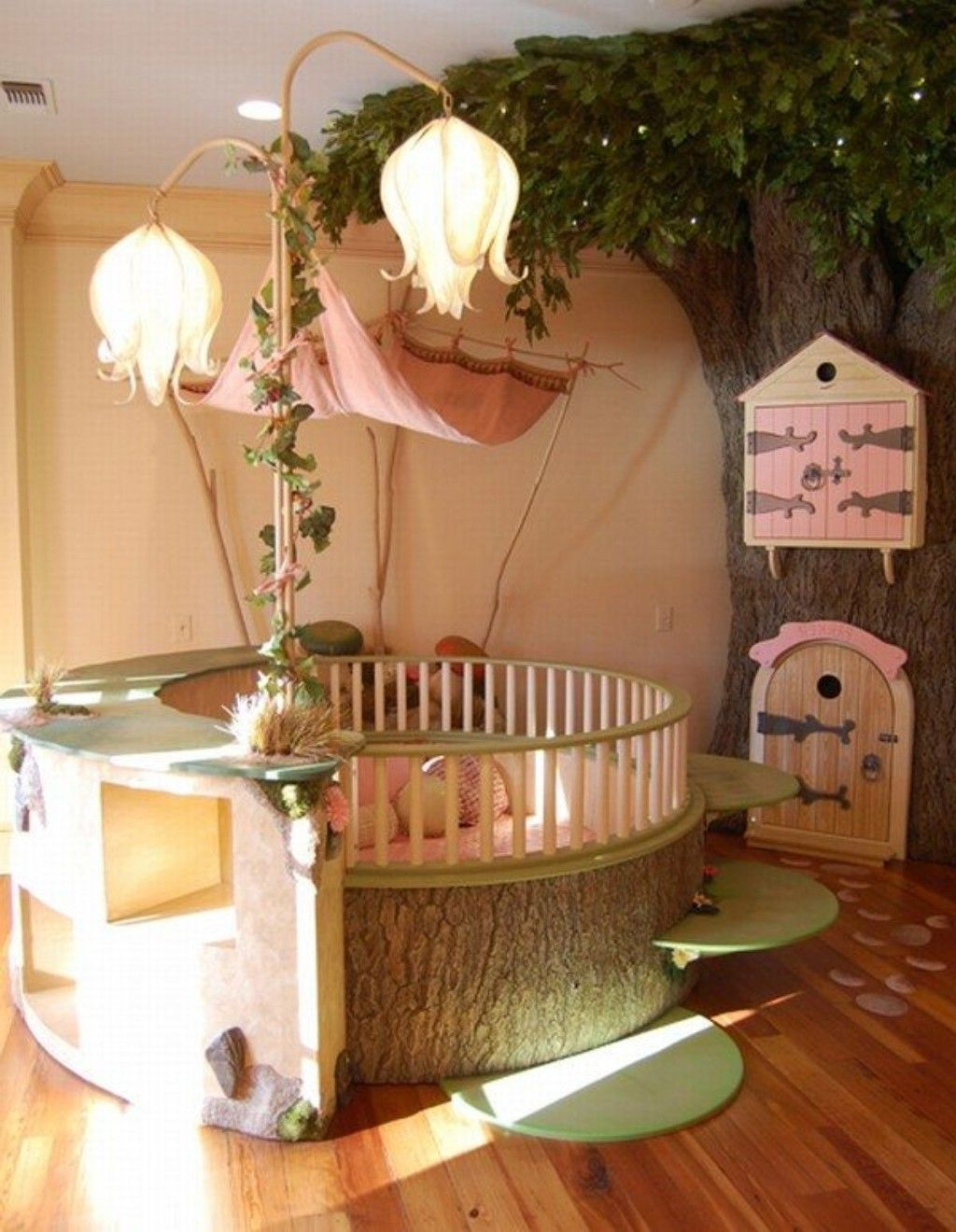 42 best disney room ideas and designs for 2017 for Chambre de fille deco