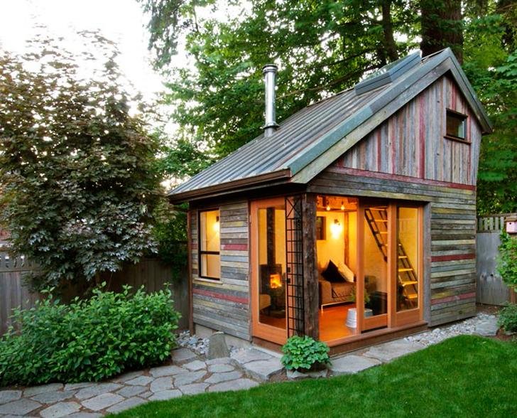 Дачный деревянный домик