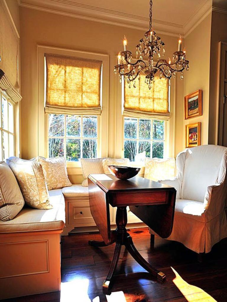 2 stately elegance - Breakfast Nook Ideas