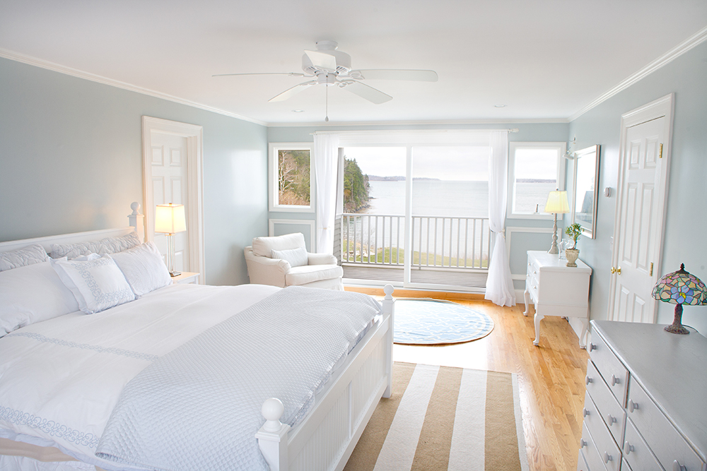 coastal calmness white bedroom decroation - White Bedroom Decorating Ideas