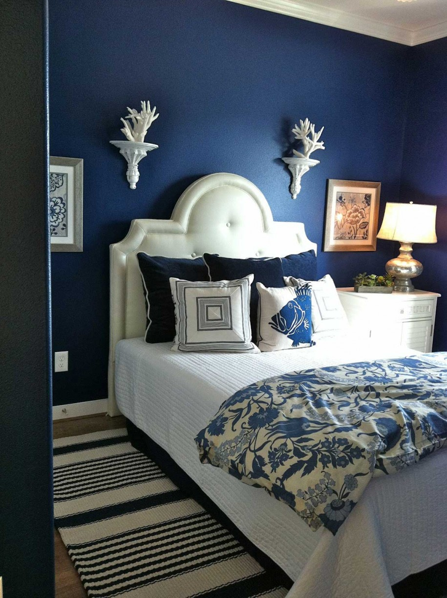 Blue and white bedroom - Deep Blue Dreaming