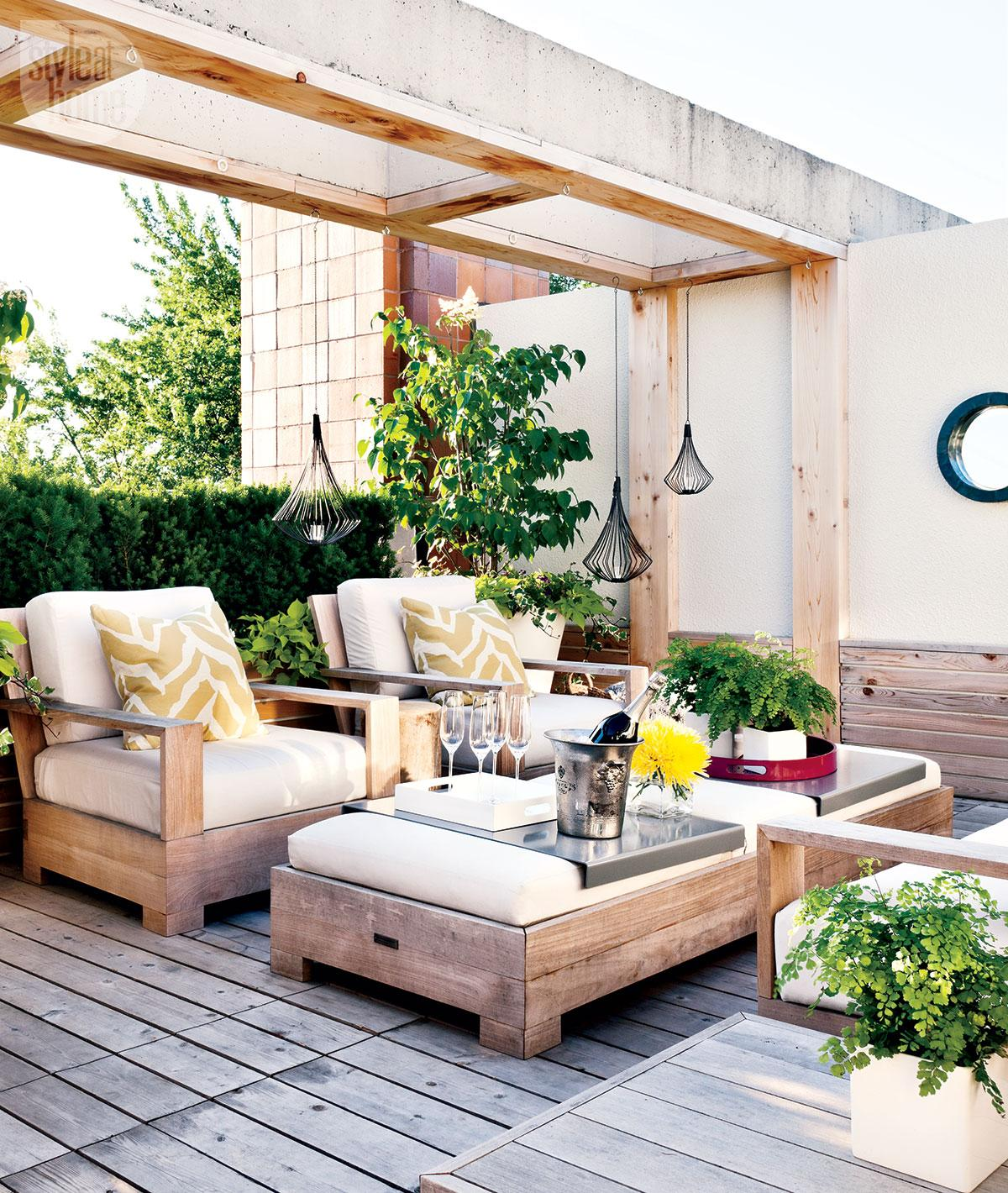 6. Modern Rooftop Terrace Retreat