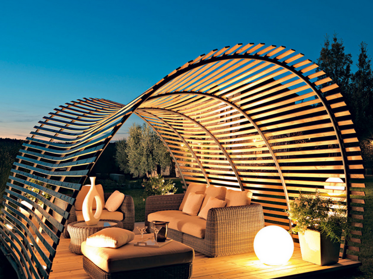 Perfectly Curved Pergola