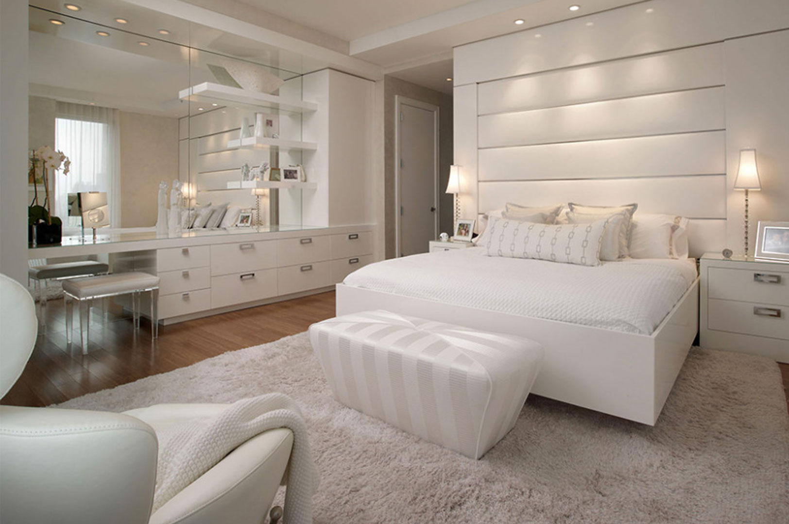 White bedroom 16 modern design ideas for your bedroom for Bedroom ideas with white furniture