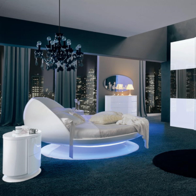 50 best bedrooms with white furniture for 2018. Black Bedroom Furniture Sets. Home Design Ideas