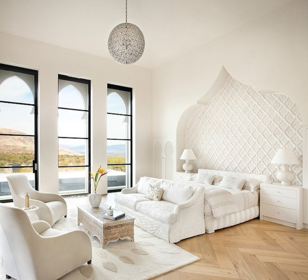 50 best bedrooms with white furniture for 2017 for Moroccan living room furniture 02