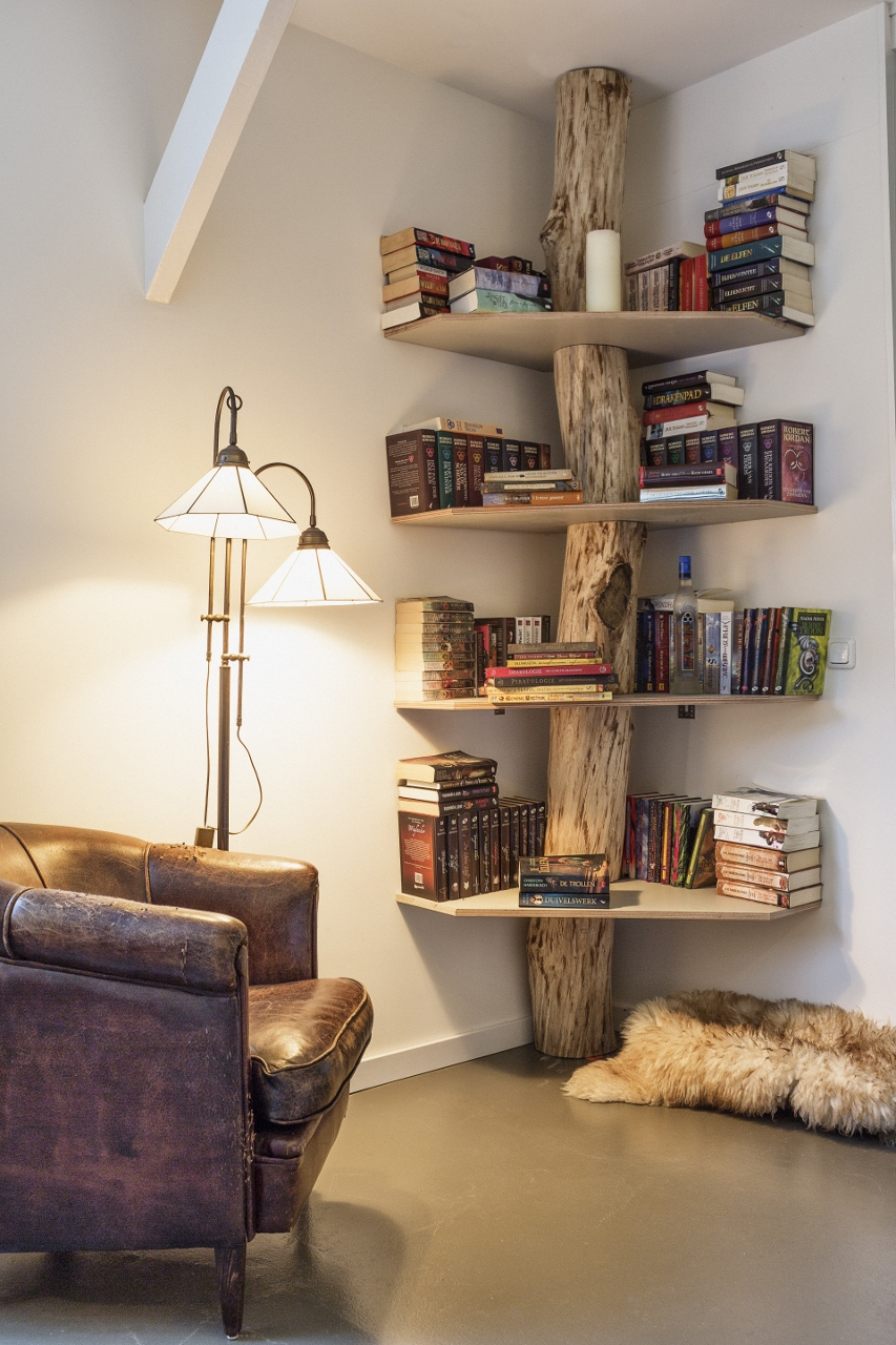 7 log landing - Bookshelf Decor