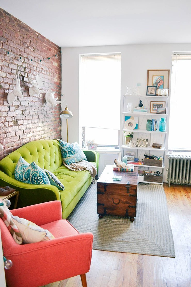 New York Shorty Source Apartmenttherapy Decorating A Small Living Room