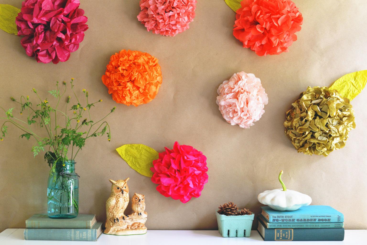 Цветы на стену из бумаги своими руками фото поэтапно