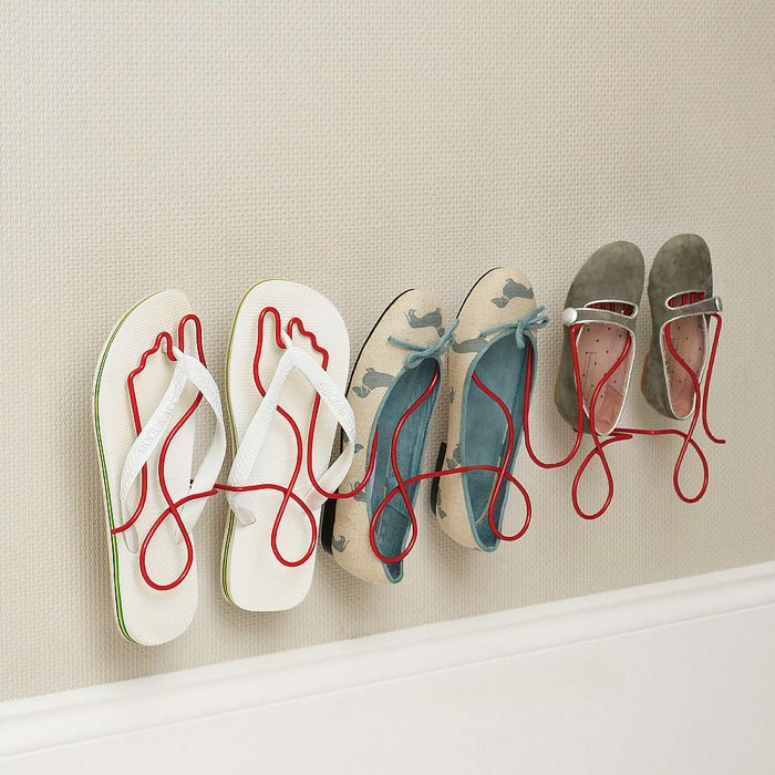 Footprint Wire Shoe Rack