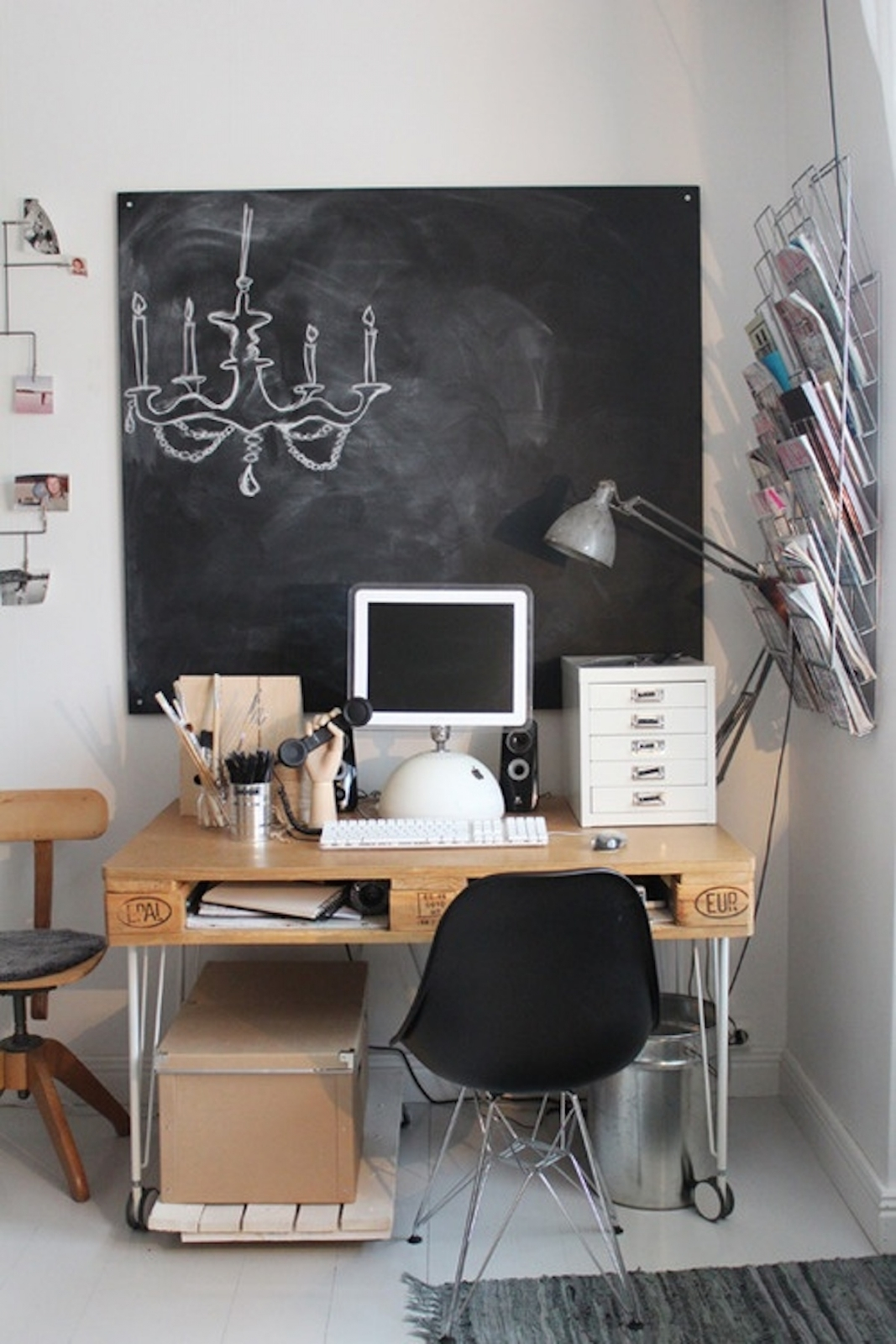 Simple Rolling Computer Desk