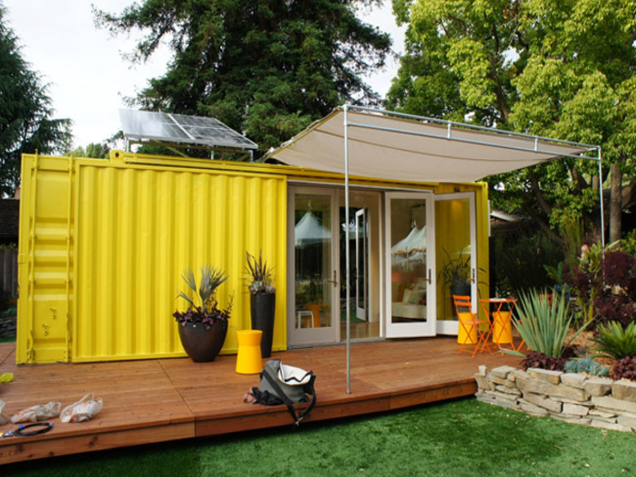 shipping-container-homes-33
