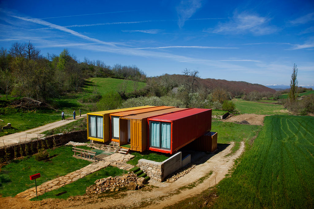 shipping-container-homes-36