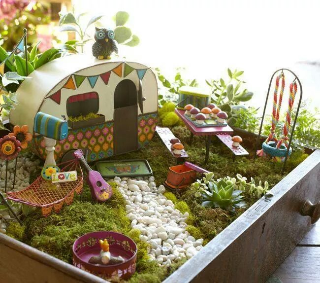Miniature Fairy Garden Ideas follow your dream Hit The Road Jack