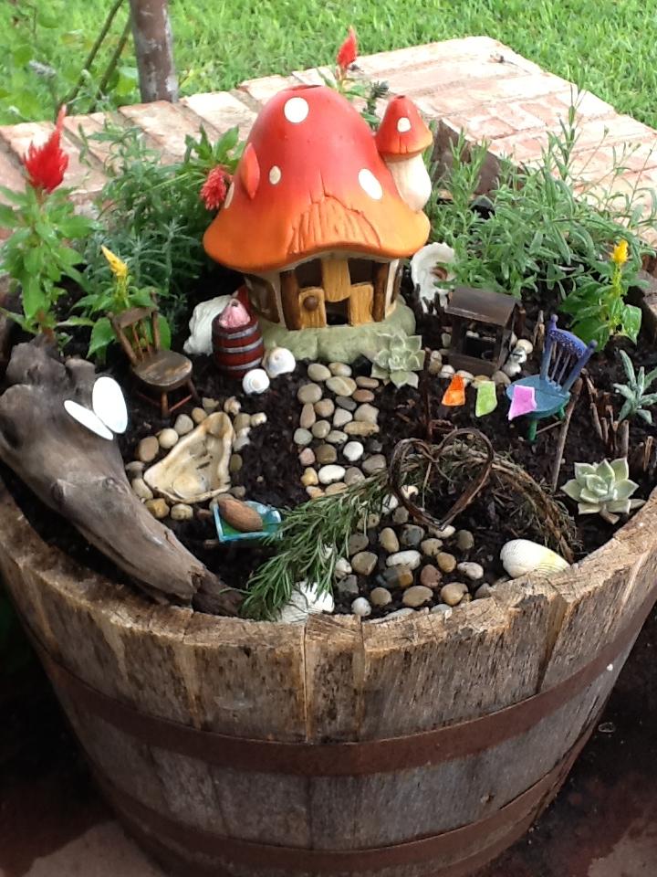 Diy Magical Backyard : 18themagicmushroomgardenfairygardenideashomebncjpg