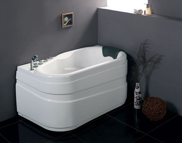 20 best small bathtubs to buy in 2018 for Best acrylic bathtub to buy