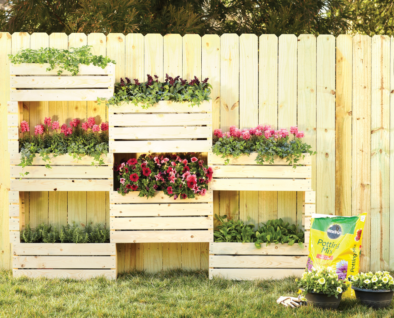 The 50 best vertical garden ideas and designs for 2016 for Creative crates