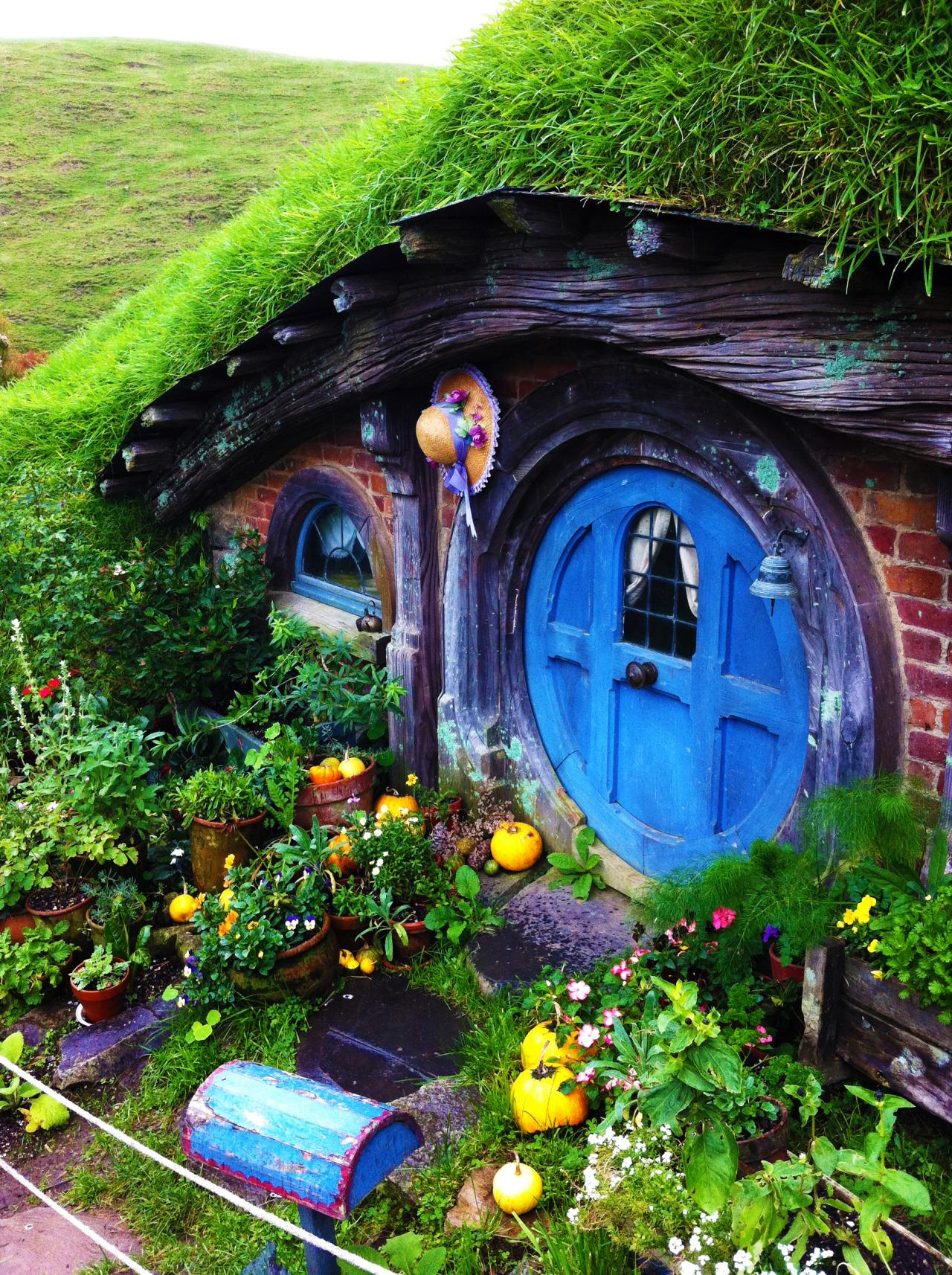 The 50 best diy miniature fairy garden ideas in 2016 for Fairy front door