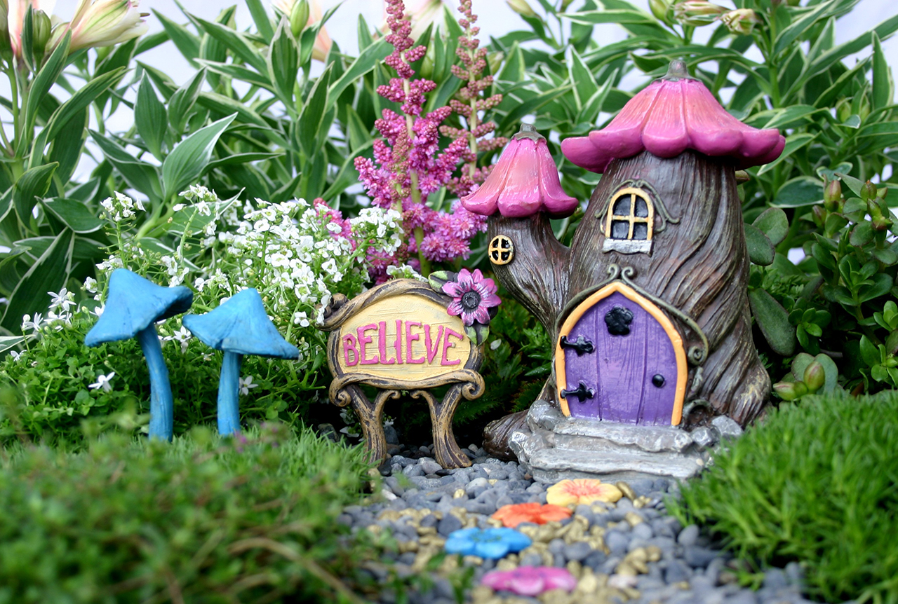 The 50 best diy miniature fairy garden ideas in 2018 for Fairy garden decorating ideas