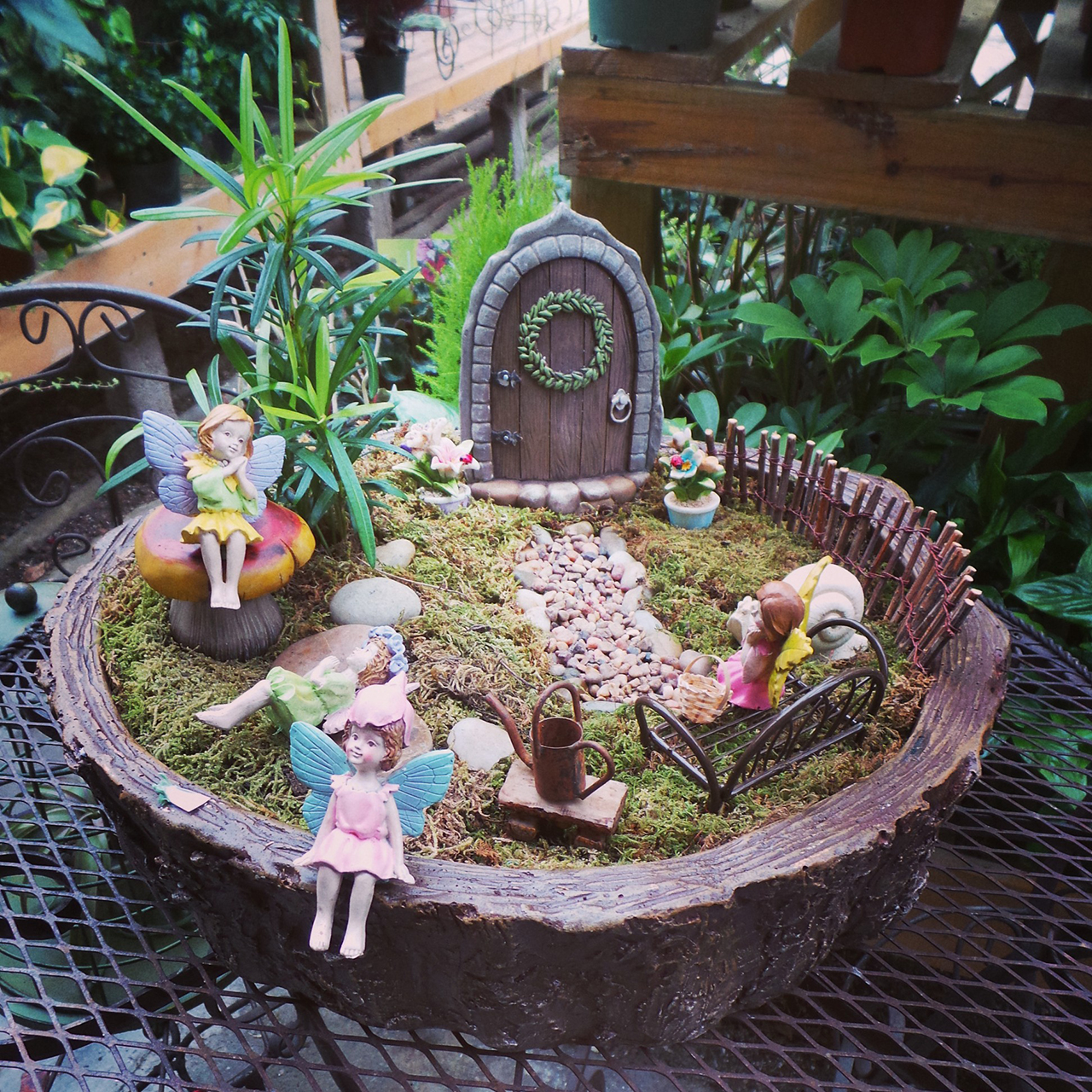 The 50 best diy miniature fairy garden ideas in 2016 for Fairy garden decorating ideas