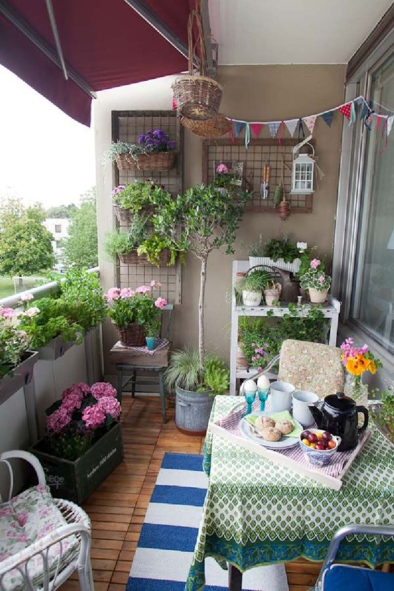 Small Balcony Apartment Rustic: 50 Best Balcony Garden Ideas And Designs For 2017